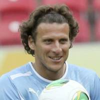 Golden Ball winner Forlan joins Cerezo
