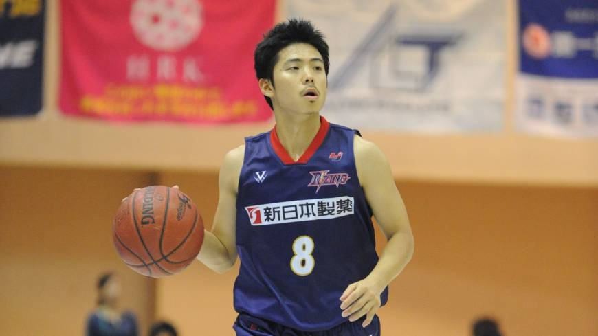 Lower expectations: After a championship runnerup season, guard Akitomo Takeno and the Rizing Fukuoka (11-17) are trying to climb into playoff position.  | RIZING FUKUOKA/BJ-LEAGUE