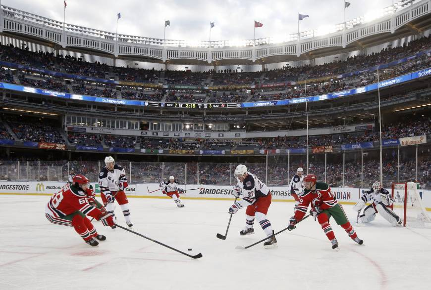 Rangers cruise as Yankee Stadium hosts first NHL contest