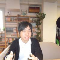 Bagged it: In an interview in Tokyo on Jan. 14, former 'hikikomori' (shut-in) Ryo Kikuchi talks about how he landed a job by getting creative in his job hunt. | TOMOHIRO OSAKI