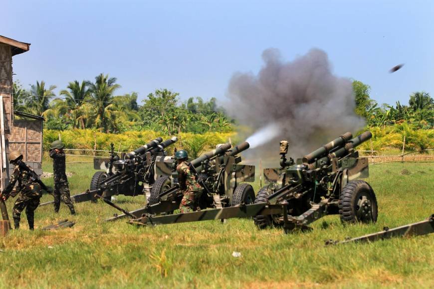 Muslim rebel stronghold captured in Philippine offensive