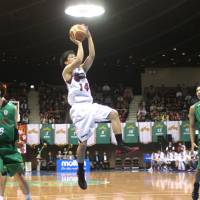 Expanding his game: Toshiba's Naoto Tsuji, who ranks second in the NBL in 3-point shooting (48.0 percent), has worked to diversify his offensive arsenal as a second-year pro. | KAZ NAGATSUKA