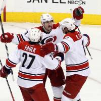 Gerbe, Tlusty lift Hurricanes over Flyers