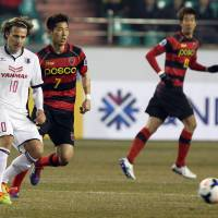 Popovic trying to keep lid on Forlan hype as Cerezo eye title