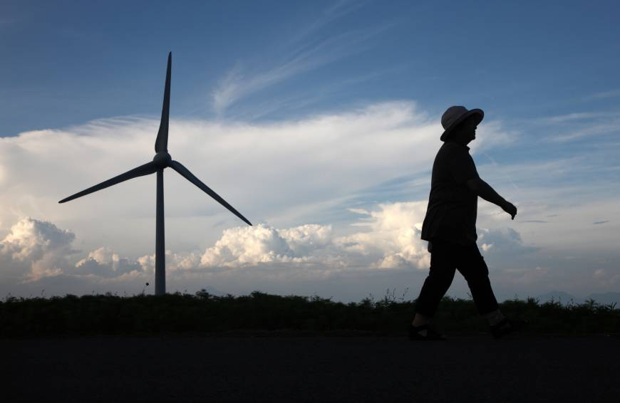 Renewable energy's future rosy if grids ever get updated
