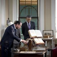 Obama, Hollande tour Jefferson estate, talk up an 'alliance transformed'