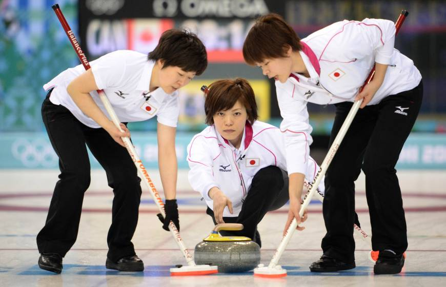 Unbeaten Canada hands Japan fourth loss in women's curling