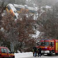 Two killed as boulder derails popular train in French Alps