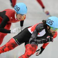 Close at hand: Canada's Charles Hamelin leads the field during the 1,500-meter short track final at the Iceberg Skating Palace on Monday.   AFP-JIJI
