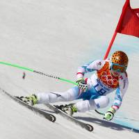 Fenninger captures super-G title