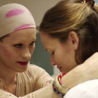 HIV-positive Rayon (Jared Leto) looks to childhood friend Eve (Jennifer Garner) for some comfort.