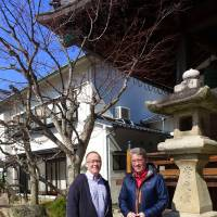 Classroom connections: Mark Exton (left), principal of Hiroshima International School, and Alun Cooper, head of school for Think Global School, explore Hiroshima together. | THINK GLOBAL SCHOOL