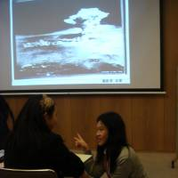 Broadening horizons: Hiroshima International School and Think Global School students discuss the testimony of an atomic bomb survivor. | HIROSHIMA INTERNATIONAL SCHOOL