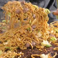 Home plate: Yakisoba at Sapporo Dome | © YDB