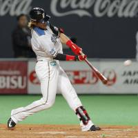 Back in the swing of things: Daikan Yoh is rounding himself into one of the top outfielders in Japanese baseball. | KYODO