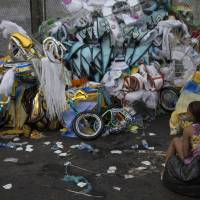 Trash pickers give Rio Carnival costumes new life