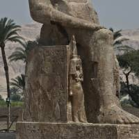 These statues of Pharaoh Amenhotep III and his wife, plus another of Amenhotep, were unveiled by Egyptian archaeologists Sunday at their original site in the king's funerary temple on the west bank of the Nile in Luxor. | AFP-JIJI