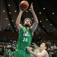 Top option: Tokyo Excellence center Joe Wolfinger is the team's leading scorer at 23.0 points per game. | KAZ NAGATSUKA