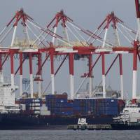 Trade deficit grows to record ¥13.7 trillion