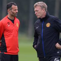Giggs replaces Moyes for short term