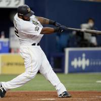On the stampede: Buffaloes slugger Wily Mo Pena is firing on all cylinders early this season.   KYODO