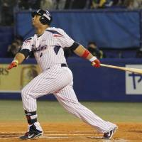 Tough to swallow: Wladimir Balentien and the Swallows hope to get back to winning games very soon. | KYODO