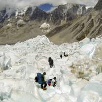 The exodus from Everest