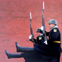 Russian soldiers of the Presidential Regiment march during the Change of Guard ceremony at the Tomb of the Unknown Soldier in Moscow on Wednesday.   AFP-JIJI