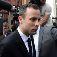 Pistorius refuses to look at photo of dead lover