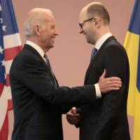 Ukraine president calls for new offensive in east as crisis deal falters