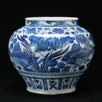Jar with a blue-and-white fish and water plants design, an Important Cultural Property (Yuan Dynasty, 14th century)  | GIFT OF SUMITOMO GROUP (THE ATAKA COLLECTION), PHOTOGRAPH BY TOMOHIRO MUDA