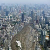 About 10 to 15 hectares of the Shinagawa rail yard will undergo redevelopment. | KYODO