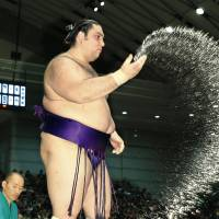 Ricardo Sugano, a sumo wrestler fighting under the name Kaisei, and free magazine publisher Paulo Issamu Hirano in Isesaki, Gunma Prefecture, are among a younger generation of Brazilians who are starting to become more actively involved in the Japanese community.   KYODO