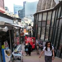 The 'Spain-zaka' stepped slope in Shibuya is lined with fashionable shops and represents the ups and downs of the trendy district's landscape. | SATOKO KAWASAKI
