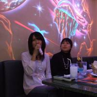 Musical lessons: Singing Japanese songs at karaoke is a great way to learn the language, especially words related to the kinds of emotions found in song. | ©JNTO
