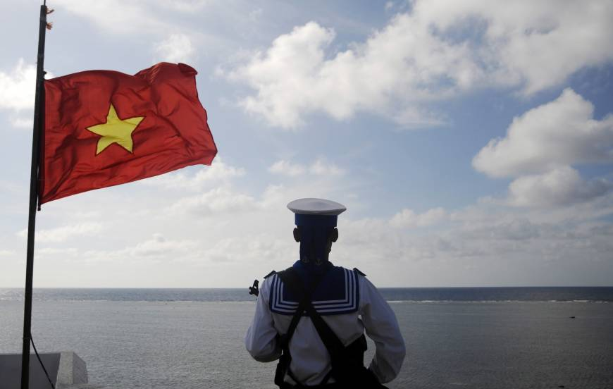 China's oil rig move leaves Vietnam, others looking vulnerable