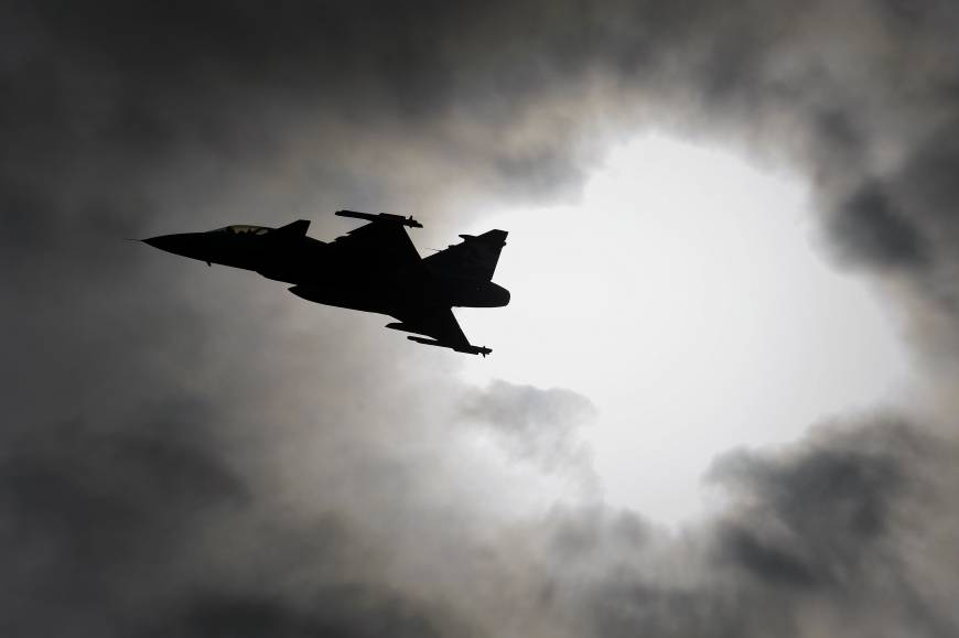 Swiss voters reject plan to create minimum wage, purchase fighter jets