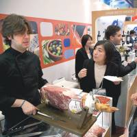 Many food and beverage professionals from Japan and around the world visited the EU pavilion at Foodex Japan, looking to secure deals with European producers. | EU DELEGATION TO JAPAN