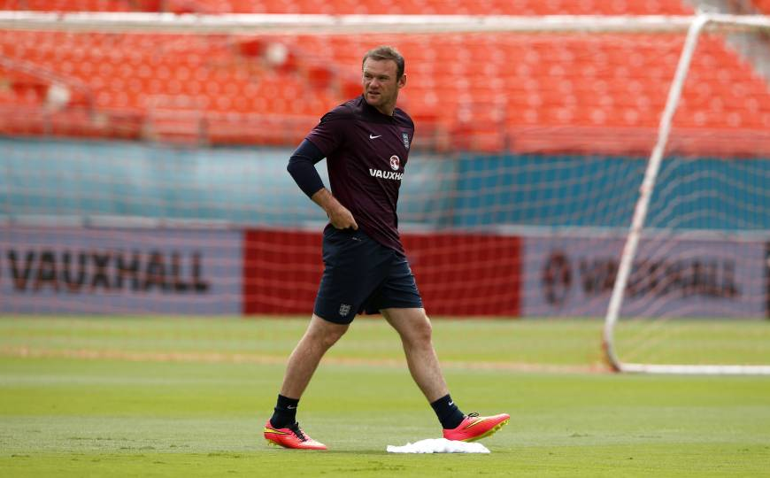 Struggling Rooney to face Ecuador