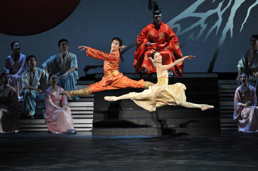 David Bintley bows out with a 'Pagoda' set in Japan