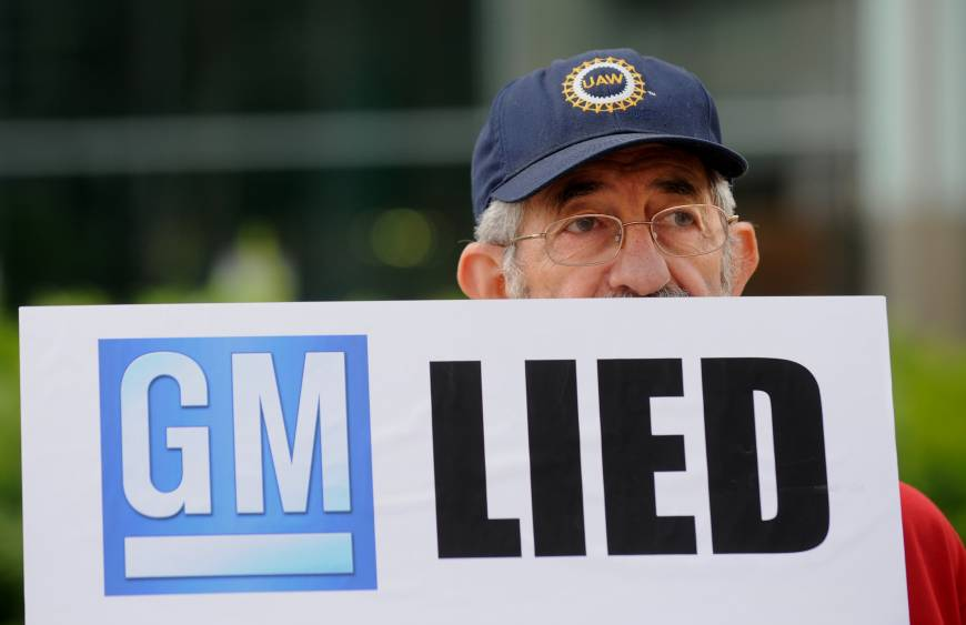 GM expands recall for cars with ignition problems