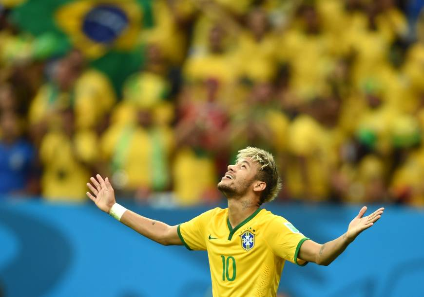 Neymar says he feels no pressure at World Cup