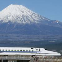 Shinkansen tops list of 100 innovative postwar technologies