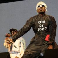 Hey ya: Outkast's Big Boi and Andre 3000 left the crowd very satisfied when they closed the White Stage on Sunday.   CHIEKO KATO