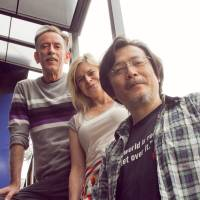 Offstage voices: Australian actors Matthew Crosby (left) and Jane Phegan (center) with playwright Yoji Sakate, who is staging his 'Honchos' Meeting in Cowra' in both Japan and Australia. RINKOGUN