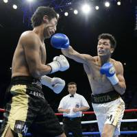 Knock you out: Ryota Murata has gotten off to a perfect 4-0 start as a professional. | KYODO