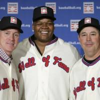 Legends of the game: Former MLB stars Tom Glavine (left), Frank Thomas (center), and Greg Maddux are scheduled for induction into the National Baseball Hall of Fame on Sunday. | AP