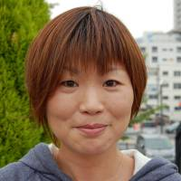 Junko Oshima, Office worker, 40s (Japanese): I came to Atami to go sightseeing, and of course I went to see the statue. I know a little about the story;  it seems to me the man is a serious type who wanted his woman to follow him. I think there are fewer men like him these days.