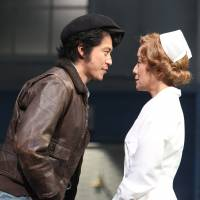Unequal and opposite: Free-spirited patient Randle P. McMurphy (Shun Oguri) and Chief Nurse Mildred Ratched (Misuzu Kanno) square up in the locked mental ward where she exercises all the power.   © AKI TANAKA