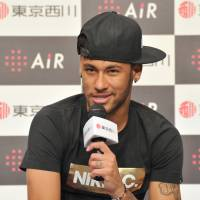 Star Neymar eager to shine in upcoming season